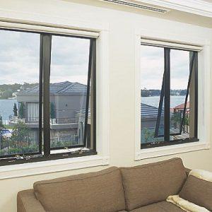 Cửa sổ 2 cánh mở quay nhôm kính Việt Pháp